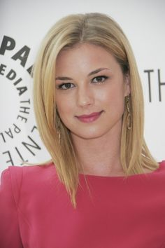 EVC--I have now been told twice by strangers that I look like this lovely actress...and now I covet her lovely hair.