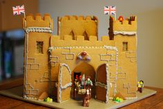 Gingerbread Castle by tomandlouisa, via Flickr Gingerbread Castle, Christmas Gingerbread, Christmas Treats, Gingerbread Cookies, Castle Project, Christmas 2017, Creative Food, Pin Collection, Birthday Parties