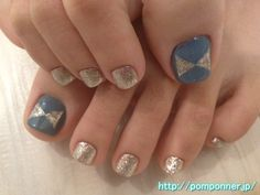 Blue-gray color and nail foot chandelier