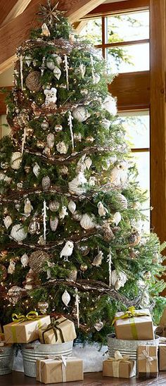 rustic chrismas tree | Rustic Christmas | Canadian Log Homes