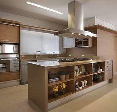 Muita inspiração na cozinha onde o amadeirado reina e garante aconchego ao espaço. Amei Projeto @mairadelneroarquitetura Snap:  hi.homeidea  http://ift.tt/23aANCi #bloghomeidea #olioliteam #arquitetura #ambiente #archdecor #archdesign #hi #cozinha #kitchen #arquiteturadeinteriores #home #homedecor #pontodecor #lovedecor #homedesign #instadecor #interiordesign #designdecor #decordesign #decoracao #decoration #love #instagood #decoracaodeinteriores #lovedecor #architecture #archlovers…