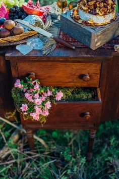 Antique side table overflowing with flowers | Paula Bartosiewicz Photography | see more on: http://burnettsboards.com/2014/05/bohemian-gemstone-shoot-diy-elements/