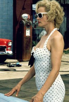 When she put all pinup wannabes to shame in Blue Sky. - 27 Times Jessica Lange Was Our One True Supreme Julia Roberts, Meryl Streep, Blue Sky Movie, Gorgeous Women, Beautiful People, Best Actress Oscar, Matthew Mcconaughey, Timeless Beauty, American Horror Story