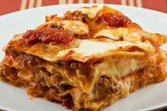 Easy Crockpot Lasagna - 4 to 6 qt slow cooker. Uses the no-boil noodles, 1 lb hamburger/meat + onion & garlic salt & Italian Seasoning + 24oz spag sauce + 1/2 c water. Mix 15oz ricotta + ....... then low 4 to 6 hours.