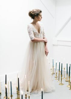 Emily Riggs wedding dress - photo by Maria Lamb http://ruffledblog.com/organic-lush-wedding-inspiration-with-elegant-details