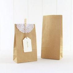 7594816bc Bolsas de papel para regalos y detalles de boda. Ideas de decoración para  bodas handmade / Decoración eventos / Candy bar boda / Decoración mesa boda  ...