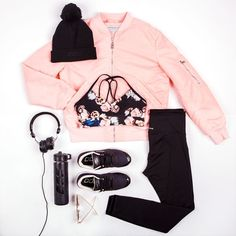 I N S T A @ famme for sportswear, nordic design and worldwide shipping Cute Comfy Outfits, Sporty Outfits, Athletic Outfits, Cool Outfits, Fashion Outfits, Fashion Women, Fashion Brands, Leggings Outfit Fall, Gym Leggings