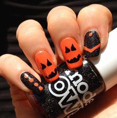 Halloween nail art in black and orange colors :: one1lady.com :: #nail #nails #nailart #manicure