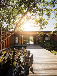 Lovely wooden The House in is designed by Jacobsen Arquitetura and is located in // Photo by Fernando Guerra via - Architecture and Home Decor - Bedroom - Bathroom - Kitchen And Living Room Interior Design Decorating Ideas - Japanese Architecture, Interior Architecture, Modern Exterior, Interior And Exterior, Room Interior, Interior Design, Inspiration Design, Modern Pools, Architect House