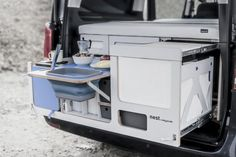 Nestbox Transforms Your Car Into A Camper With A Kitchen & Foldable Bed Mini Camper, Vw Camper, Camper Parts, Camper Van Kitchen, Vw California T6, Minivan Camper Conversion, Custom Campers, Foldable Bed, Small Wood Projects