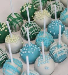 Mummy's Little Dreams: Blue and Green Birthday Theme