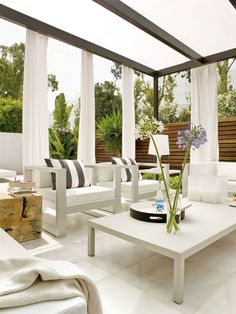 57 Relaxing Summer Backyard Patio Outdoor Seating for Comfort And Style - homesuka Patio Furniture For Sale, Outside Furniture, Outdoor Furniture Sets, Atrium Design, Patio Design, Porch And Terrace, Outdoor Seating, Outdoor Decor, Small Space Interior Design