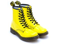 Yellow Doc Martens via Discoveredd Sock Shoes, Cute Shoes, Me Too Shoes, Shoe Boots, Doc Martens Boots, Teen Girl Outfits, Mellow Yellow, Bright Yellow, Shades Of Yellow