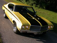 1970 Buick 'GSX' Stage 1   This cool muscle car did the quarter mile in 13.38 seconds and came in only two colors – Apollo White or Saturn Yellow.