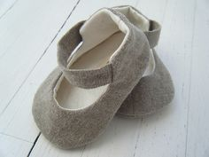Wee linen baby shoes