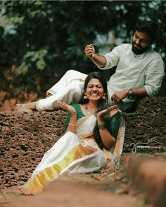 Hire a Great Wedding Photographer – LivingWedding Indian Wedding Couple Photography, Wedding Couple Poses Photography, Couple Photoshoot Poses, Mad Photography, Pre Wedding Poses, Pre Wedding Photoshoot, Wedding Shoot, Wedding Couples, Boho Wedding