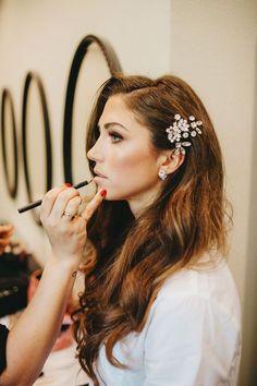44 Inspiring Spring Wedding Hairstyles is part of wedding-makeup - wedding-makeup Wedding Hair And Makeup, Wedding Hair Accessories, Hair Makeup, Vintage Wedding Makeup, Makeup Salon, Makeup Studio, Vintage Makeup, Dress Makeup, Bridal Makeup