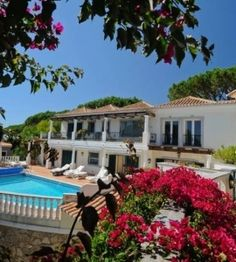 Lagos holiday villas - Idealhomesportugalrentals.com offering real estate service like 2 2bed Apartment in Lagos and Marina. Free Property Guide Algarve and book Holiday villas in Lagos.