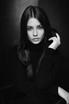 Needle Fm Beautiful Eyes Gorgeous Women Beautiful Pictures Portraits Henry Cartier