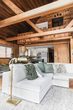 Whether you're looking to build a moveable couch, or want to make a modern conversation pit, the Gaba is here to help. Photo by Alison Deuhs Allen. Cabin Design, House Design, Design Design, Log Cabin Homes, Log Cabin Bedrooms, Rustic Bedrooms, Industrial House, Little Cabin, Home Living Room