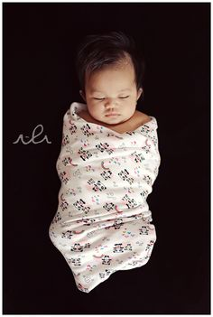 swaddling. So many benefits!! Gonna do this for sure!