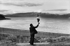 Photo by Henri Cartier-Bresson, 1972.