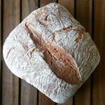La vera bozza di #prato, perché il pane senza sale è una religione in certe terre. Fatto con amore da #paneamoreefantasia #comeunavolta #toscana #tuscany #bread #rossofermo #tradition #lievitomadre