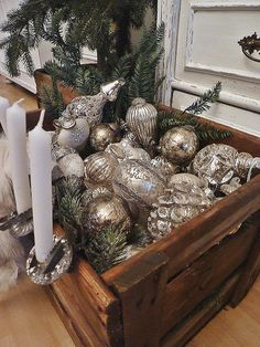 can't fit them all on the tree? Display them in old crates as if still unpacking them Home Style by U.A