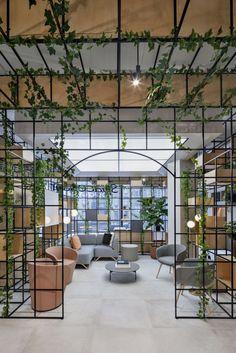 Showroom Interior Design, Cafe Interior, Interior Design Office Space, Open Office Design, Industrial Office Design, Interior Fit Out, Furniture Showroom, Interior Designing, Commercial Design