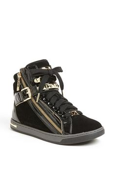 black high tops these are SICK! Michael Kors Outlet, Michael Kors Shoes, Nike Wedges, Shoe Boots, Shoe Bag, Nikes Girl, Black High Tops, Fashion Shoes, Men Fashion