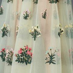 honeyfaun: Valentino + Flowers