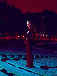 Night Vision – Thomas Whiteside captures nighttime glamour in a shoot for the August edition of Elle US starring Dutch beauty Marloes Horst. Styled in a mix of elegant blouses, trousers and skirts; Marloes explores the city in selects from Tommy Hilfiger, Oscar de la Renta, Carolina Herrera and others styled by Grace Cobb. / Hair by Yoichi Tomizawa, Makeup by Kabuki