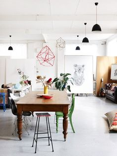 The Northcote warehouse home of artist Carla Fletcher and her husband, musician Brett Langsford. Production – Lucy Feagins / The Design Files. Love those mobiles! Dining Room Inspiration, Interior Design Inspiration, Design Ideas, Blog Design, Warehouse Home, Sweet Home, Turbulence Deco, Melbourne House, The Design Files
