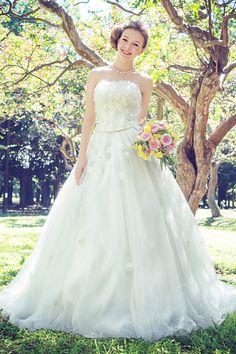 世界一素敵なウエディングドレス♡一生に一度のとびきり美しいプリンセスに|MERY [メリー]