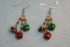 Beaded Christmas Ornaments, Diy Christmas Earrings, Holiday Jewelry, Homemade Jewelry, Bijoux Diy, Jewelry Patterns, Henna Patterns, Beads And Wire, Jewelry Crafts