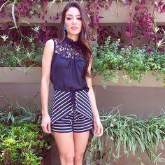 """Blusa renda + Short saia listra #news #corre #tudolindo #amanhanaloja #feitocomamor #temnabambola #bambolarp"""