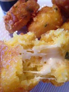 Bolinho frito de milho verde, areceita de bolinho frito de milho verde é muito pedida no centro-oeste mineiro. Servido no café-da-manhã, no lanche da tarde