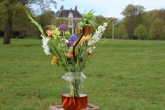 Ons bloemenabonnement is in Vogelenzang beschikbaar! Glass Vase, Home Decor, Seeds, Decoration Home, Room Decor, Interior Decorating