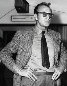 Throwback Thursday: Gary Cooper's Style from the Golden Age of Hollywood Old Hollywood Stars, Golden Age Of Hollywood, Vintage Hollywood, Classic Hollywood, Hollywood Glamour, Most Beautiful Hollywood Actress, Hollywood Actor, Classic Actresses, Classic Films