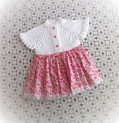 Discover thousands of images about Hand knitted dress for baby girl Baby Girl Patterns, Baby Knitting Patterns, Crochet Fabric, Crochet Baby, Baby Outfits, Kids Outfits, Baby Sewing Projects, Lace Outfit, Diy For Girls
