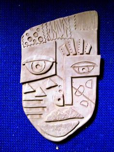 Sculptures Céramiques, Sculpture Art, Kimmy Cantrell, Abstract Face Art, Ceramic Mask, Clay Art Projects, 6th Grade Art, Art Curriculum, Paul Klee