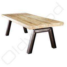 Nergens vind u robuuste tafels als de oud eiken tafel Krakau behalve dan bij Oldwood. De robuuste tafels zijn uiterst geschikt als stijlvolle eetkamertafel.
