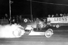 "Lions 1963 - Bill Alexander driving the Pontiac powered Ernie's Camera ""Shutterbug"" fueler puts away the famed Black/Prudhomme Fueler Don Prudhomme, Nostalgia, Top Fuel, Car Humor, Drag Racing, Car Show, Lions, Race Cars, Bugs"