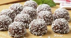 Better-Than-Starbucks Chocolate Cake Pops Chocolate Snowballs, Chocolate Cake Pops, Coconut Snowballs, Snowballs Recipe, Chocolate Covered, Dairy Free Truffles, Gluten Free Cookies, Portuguese Desserts, Portuguese Recipes