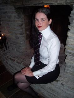 One very obedient young lady Classy Business Outfits, Women Wearing Ties, White Shirt Outfits, White Shirts, Puffy Sleeves Blouse, High Collar Shirts, Tight Pencil Skirt, Girly Girl Outfits, School Girl Dress