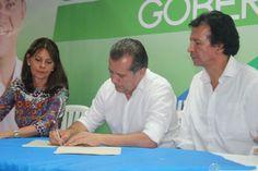 Sigifredo Salazar, candidato a la Gobernación firma pacto por la transparencia en su gobierno
