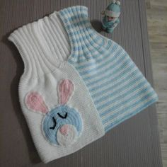 this post was discovered by Baby Knitting Patterns, Knitting For Kids, Little Girls Easter Dresses, Diy Crafts Knitting, Baby Dress Design, Knit Baby Sweaters, Baby Suit, Crochet Slippers, Knitted Bags