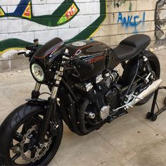 Honda CB750 Seven Fifty #ImperialCafeRacer