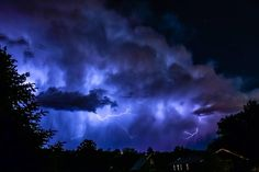 We've received some great #lightning shots tonight. Check out this great photo captured by Michael Smith #idwx #Boise