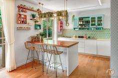 איך לכפרר (להפוך לכפרי) מטבח מודרני הבית הפרטי של עידה Country Kitchen, Kitchen Remodel, Kitchen Cabinets, Room Decor, Table, House, Inspiration, Furniture, Kitchens